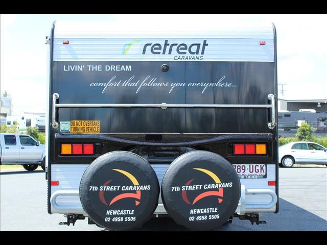 2014 Retreat Magnetic Caravan 25'