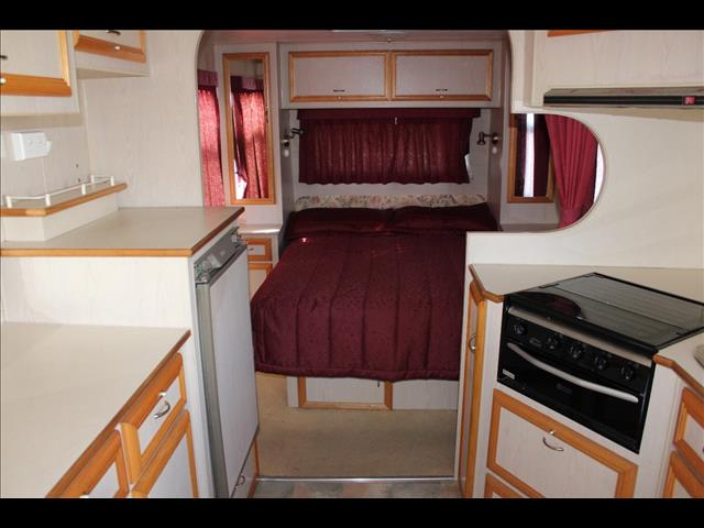 2003 Regent Cruiser SE Series 3 Caravan 21'