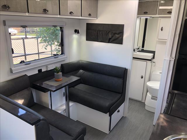 2019 Van Cruiser HTO X-Machine
