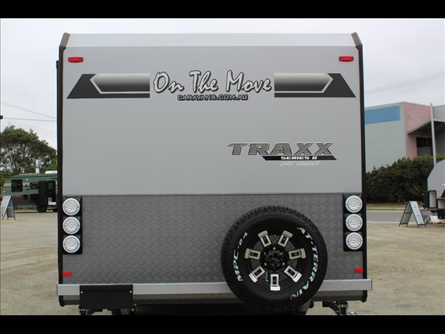 On The Move TRAXX Series 2 Dirt Roader