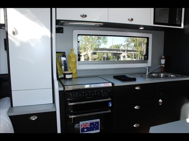 2020 On The Move Caravans Series 2 TRAXX  Family Off Road Caravan 20'6