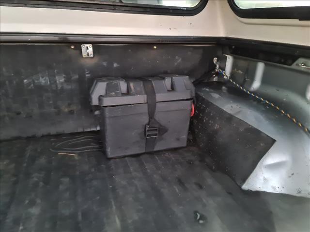 2002 TOYOTA HILUX SR5 (4x4) KZN165R DUAL CAB P/UP