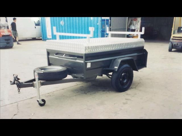 Box Trailer with Lid (Item 124)