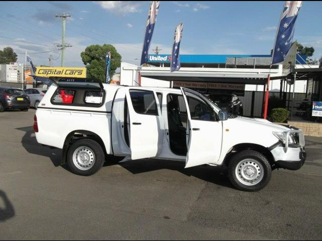 2014 Toyota Hilux SR (4x4) KUN26R MY14 Double Cab Chassis