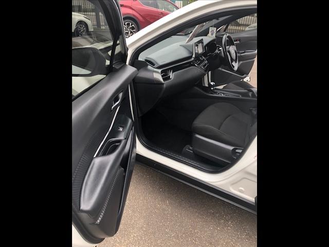 2017 TOYOTA C-HR (2WD) NGX10R UPDATE 4D WAGON