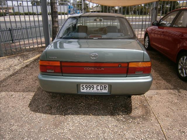 1999 TOYOTA COROLLA CSi AE101R 4D SEDAN