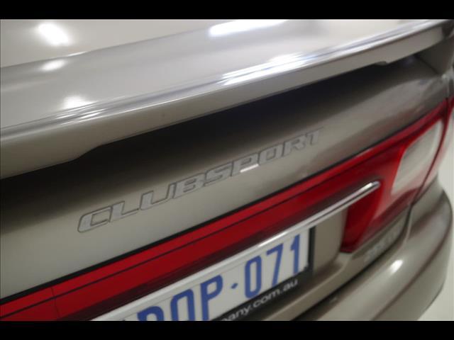2001 HOLDEN SPECIAL VEHICLES CLUBSPORT R8 VX SEDAN