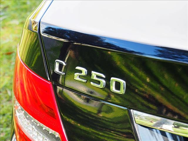 2013 MERCEDES-BENZ C250 Avantgarde W204 SEDAN