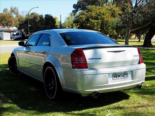 2006 CHRYSLER 300C SRT-8 (No Series) SEDAN