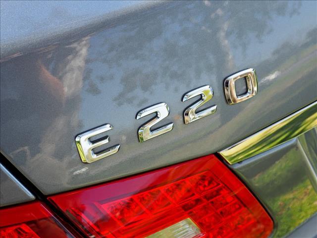 2011 MERCEDES-BENZ E-CLASS E220 CDI BlueEFFICIENCY Avantgarde W212 SEDAN