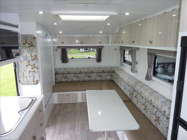 2017 OLYMPIC 3 BUNK FAMILY CARAVAN 20FT
