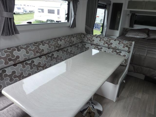 2018 OLYMPIC MARATHON 19FT 6IN FAMILY 3 BUNK CARAVAN