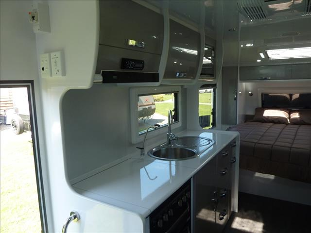 NEW 2020 SNOWY RIVER SR19S 21FT CARAVAN WITH SLIDE OUT LOUNGE