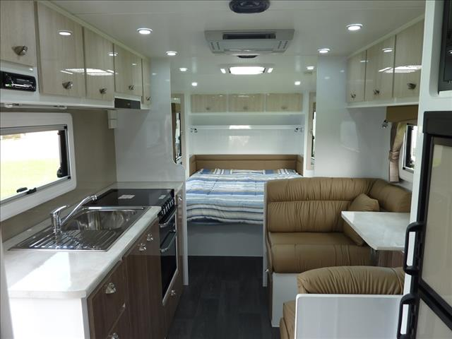 NEW 2017 LIVING EDGE BELLAGIO CARAVAN 21FT 6IN