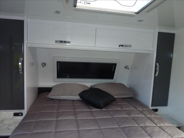NEW 2021 SNOWY RIVER SRC 21S CARAVAN WITH SLIDE OUT LOUNGE