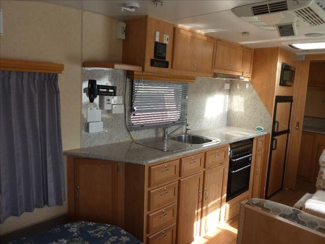 2012 USED OLYMPIC KINGFISHER 655S  21FT 6IN CARAVAN