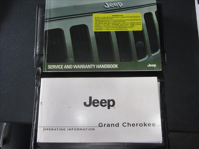 2012 JEEP GRAND CHEROKEE LAREDO (4x4) WK MY12 4D WAGON
