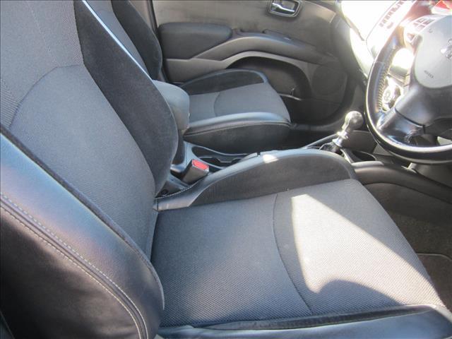 2011 PEUGEOT 4007 ST (7 SEAT) 4D WAGON