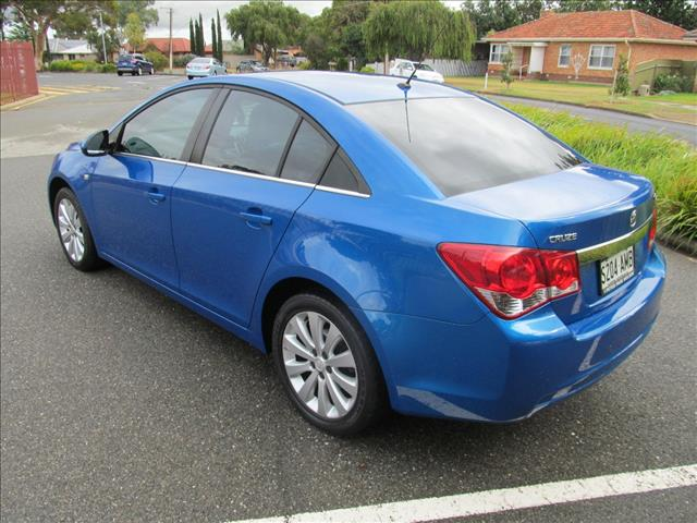 2011 HOLDEN CRUZE CDX JH MY12 4D SEDAN