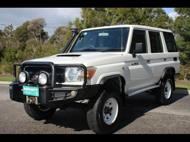 2013 TOYOTA LANDCRUISER WORKMATE (4x4) VDJ76R MY12 UPDATE 4D WAGON