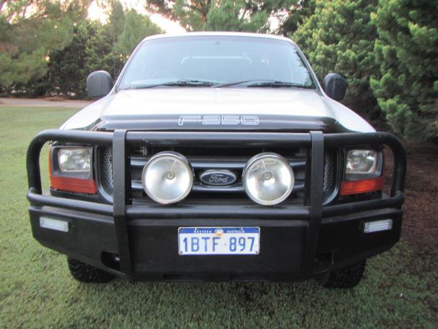 2005 FORD F250 XL 4X4 RN SUPER CCHAS
