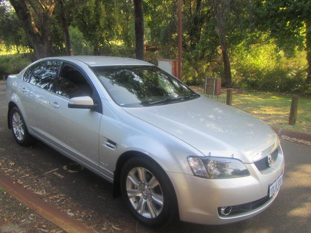2010 HOLDEN CALAIS  VE MY10 4D SEDAN