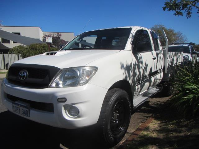 2011 TOYOTA HILUX SR 4X4 KUN26R MY11 UPGRADE X CAB CCHAS