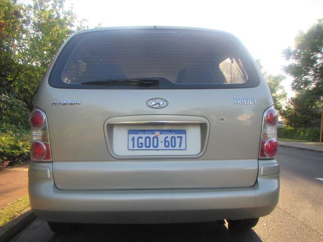 2006 HYUNDAI TRAJET V6 2.7  4D WAGON