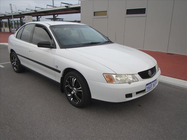 2004 HOLDEN COMMODORE EQUIPE VYII 4D SEDAN