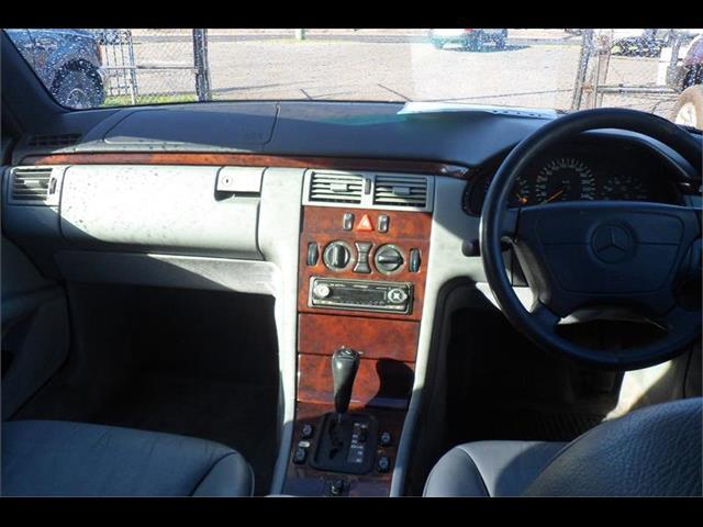 1997  MERCEDES-BENZ E320 ELEGANCE W210 4D SEDAN
