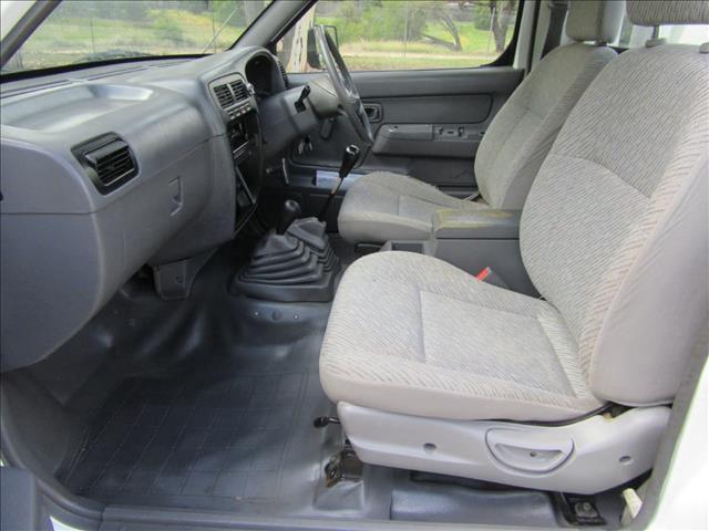 1998 NISSAN NAVARA DX D22 CAB CHASSIS