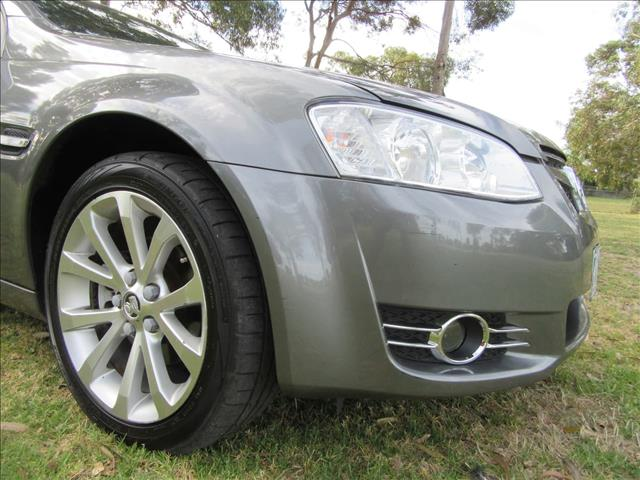 2011 HOLDEN COMMODORE Equipe VE Series II WAGON