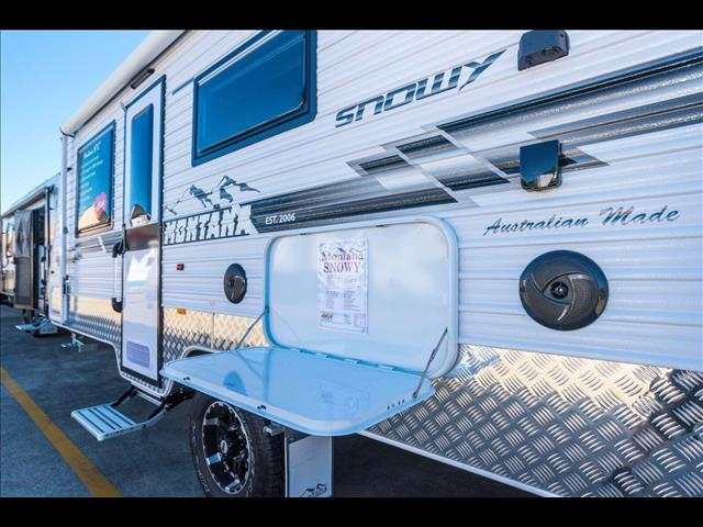 2018 Montana Snowy  18'6 Semi Off Road Full Van with Ensuite - taking orders