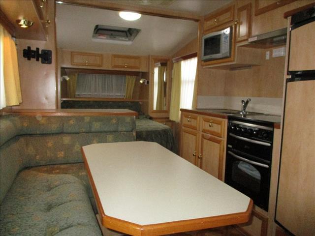 2004 Traveller Hurricane 20' Tandem Tourer,  Double Bed, Shower and Toilet ,  Rear Lounge.....