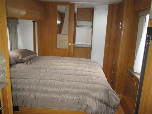 "2011 Jayco Sterling ""Outback"", Model 21.65-3, Slide Out Queen Bed and Ensuite....."