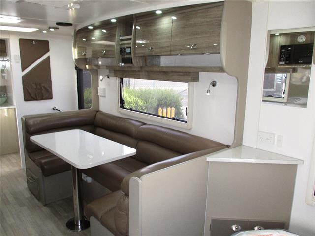 2015 Nova Vita 23' Caravan, Luxury Tandem Tourer, Queen Bed, Ensuite, Side Club Lounge......