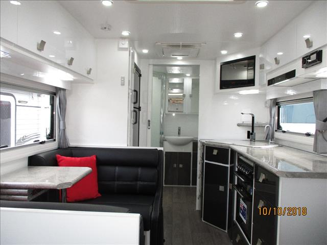 "2018 Traveller Obsession ....UNDER OFFER....21'6"" Big Bathroom Model, Queen Bed, Cafe Seating, Larger Ensuite....."