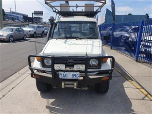 1996 TOYOTA LANDCRUISER (4x4) 11 SEAT HZJ75RV TROOPCARRIER