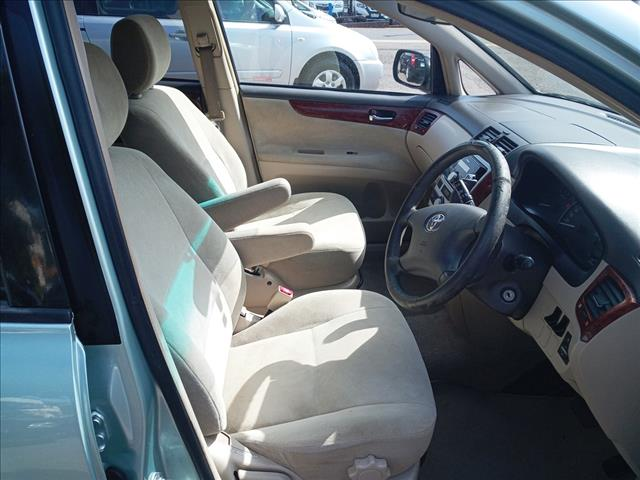 2002 Toyota Avensis Verso GLX ACM20R Wagon