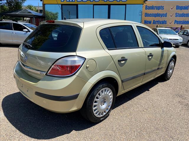 2004 Holden Astra CD Hatch