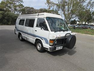TOYOTA HIACE LWB Van with SAFARI Pop Top Conversion sleeping for 4,Fridge Stove ,Great Lay-out