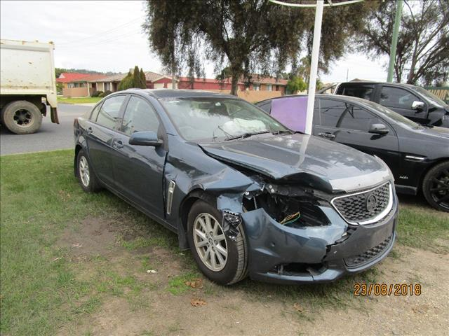 Holden Commodore VF Evoke sedan 4/2014 color grey (WRECKING)