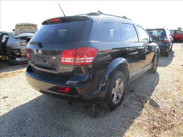 Dodge Journey 5/2010 (Wrecking)
