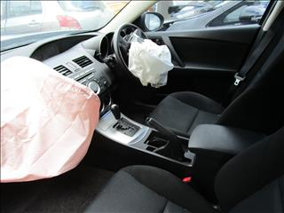 Mazda 3 Neo Hatch 5/2011 (wrecking)