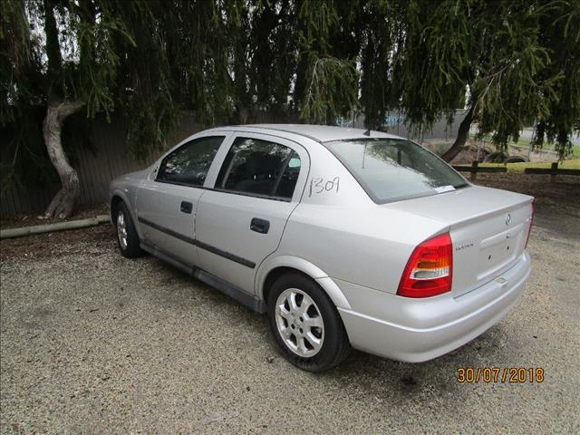 Holden Astra TS Silver 2/2002 (WRECKING)