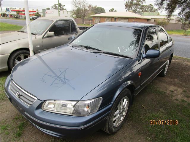 Toyota Camry Touring Sedan Blue 9/2001 (WRECKING)