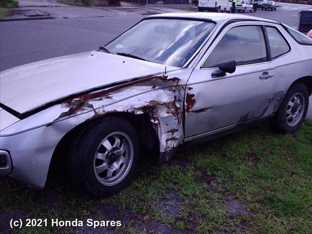 1979 PORSCHE - 924 Right Rear Side Glass