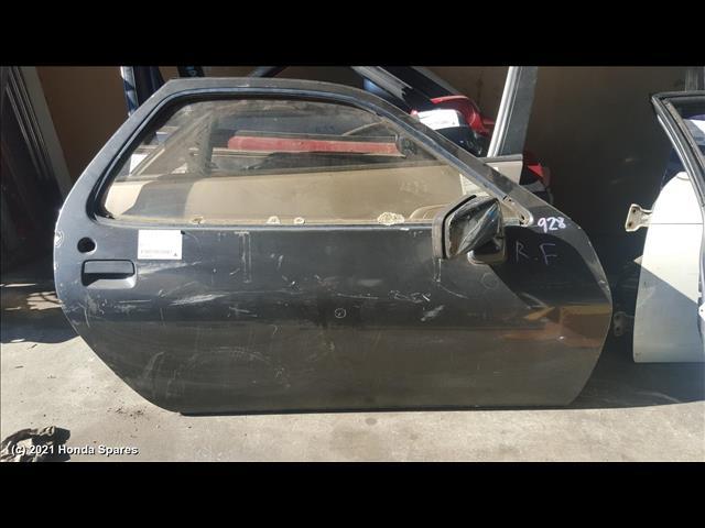 1984 PORSCHE - 928 Right Front Door
