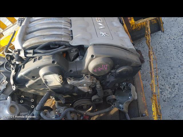 2002 PEUGEOT - 607 Engine