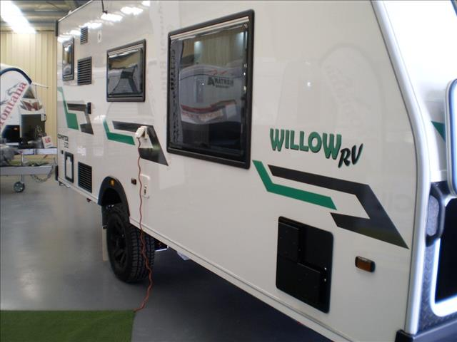 "17'9"" WILLOW RV CONIFER 520 2020"